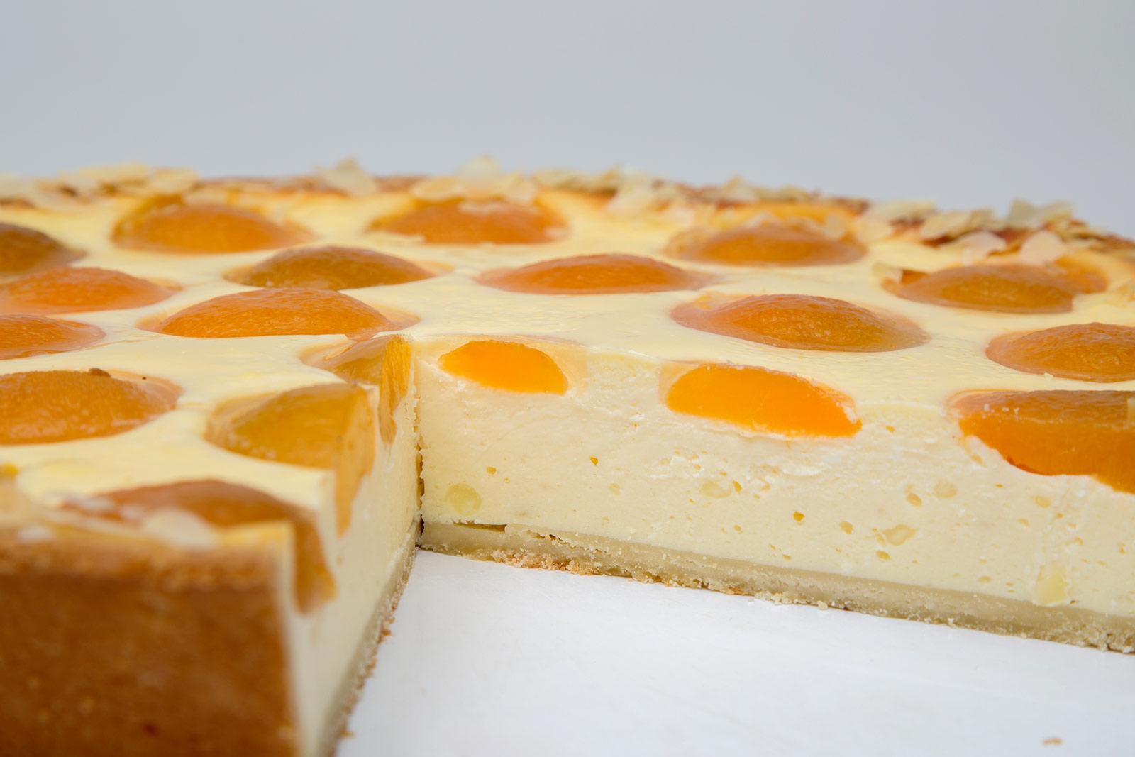 Torte Sauerrahm Aprikose